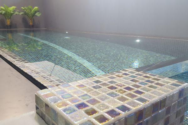 mozaik-zwembad3619f503f-17ac-b323-7561-4c3f595cc402E3E2A272-0D88-8D4E-8B35-BC6423EC5E66.jpg